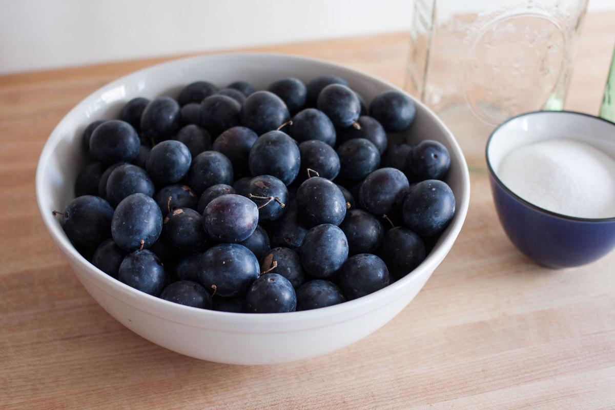 Damsom plums