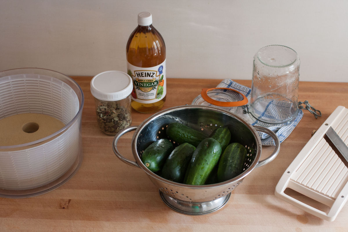 Making refrigerator pickles