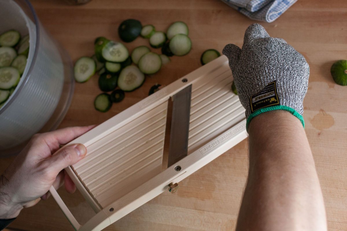 Slicling cucumbers for refrigerator pickles